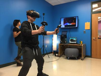 Students learn immersed in Virtual Reality at MMMS.