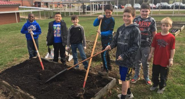 4th Graders participate in Steps to Health Garden Program