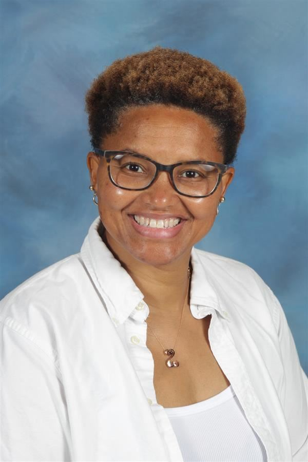 Lavette Reynolds-Scott 2021-2022 Teaching Assistant of the Year